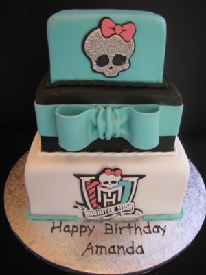 Monster High Cake 1